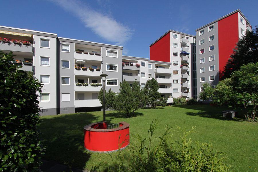 Neubau weiße Sanierung Mehrfamilienhausanlage Longericher Straße Köln-001